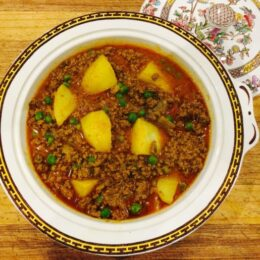 Keema Matar Aloo, Mince Meat with Peas and Potatoes